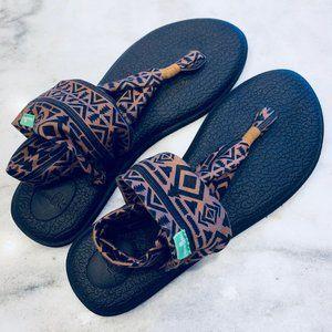 Sanuk Yoga Thong Sandals - Tribal Print Size 9